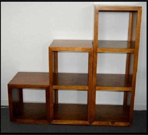 assembled manly solid timber    cube bookcase shelf