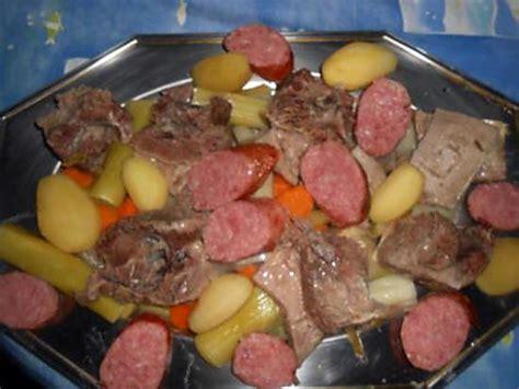 plat de cote pot au feu recette de plat de cotes et morteau en pot au feu