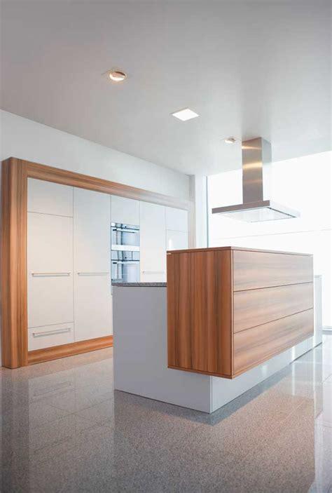 cocina de madera  isla imagenes  fotos