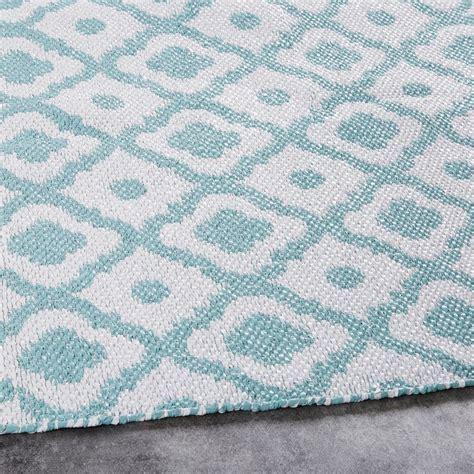 outdoor teppich günstig outdoor teppich mit grafischen motiven 160x230 maisons du monde