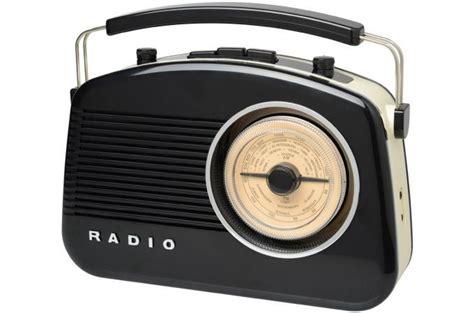 radio la chaise longue radio 60 39 s bluetooth gadget et jeux pas cher