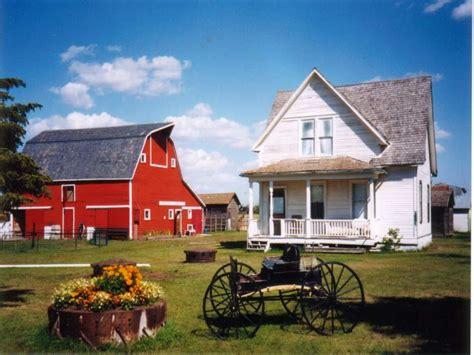 farmhouse  barn farmhouse  wrap  porch  house plans farmhouse treesranchcom