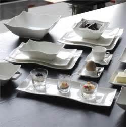 Assiette Blanche Carrée : service vaisselle blanc carr design en image ~ Teatrodelosmanantiales.com Idées de Décoration