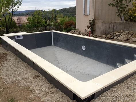 construction piscine b 233 ton semi enterr 233 e par aquarev piscines 224 forcalquier 04300 pisciniste 224