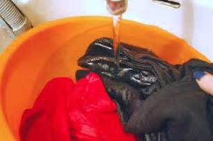 does vinegar clothes 12 useful clothing hacks you wish you knew ages ago