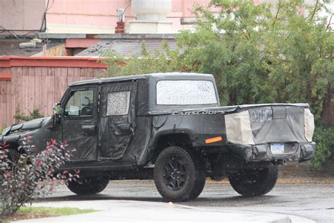 jeep scrambler heres   expect   jl based pickup truck carscoops
