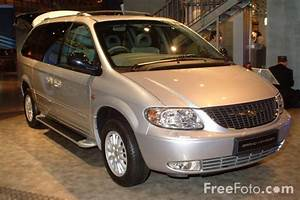 Chrysler Voyager 2002 - Pics about space