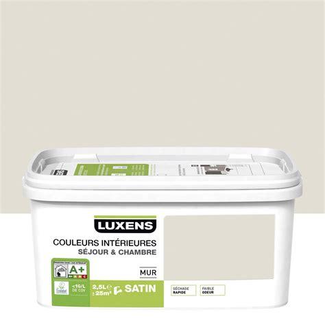cuisine brun et blanc peinture blanc 2 luxens couleurs intérieures 2 5 l