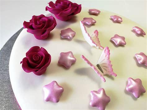 torte di compleanno decorate con fiori torte in pasta di zucchero con fiori e farfalle