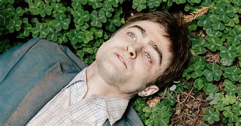 tips  daniel radcliffe  playing dead