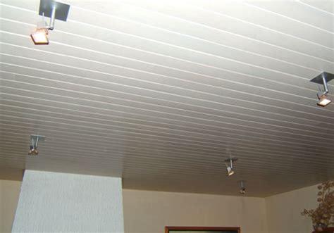 modele de peinture pour cuisine installation de lambris sur mur et plafond fourniture et