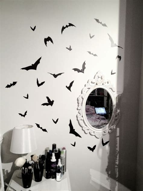 Plain Wings To Decorate - for a decorate plain white walls black