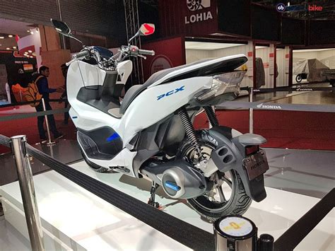 Pcx Yeni Kasa 2018 by Auto Expo 2018 Honda Pcx Electric Scooter Concept