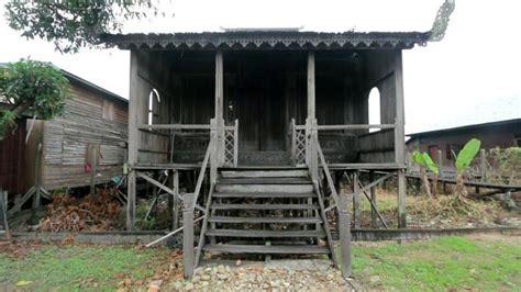 rumah bubungan tinggi khas banjar kalsel  kokoh