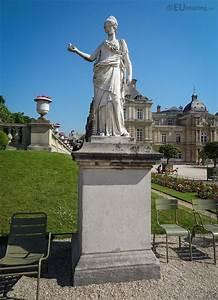 Minerva, The, Goddess, Of, Wisdom, Statue, In, Luxembourg, Gardens