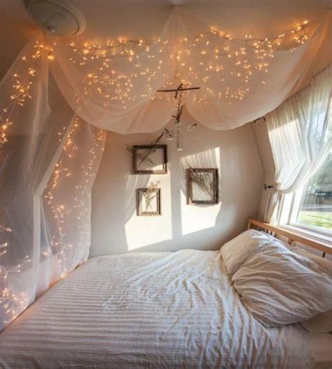 Des Idées De Décoration Pour Une Chambre (lumières Et Mots