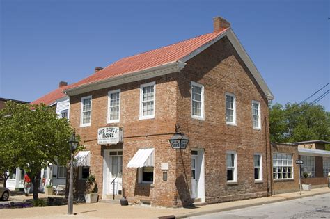 brick house file first brick house w of mississippi river ste genevieve mo jpg wikimedia commons