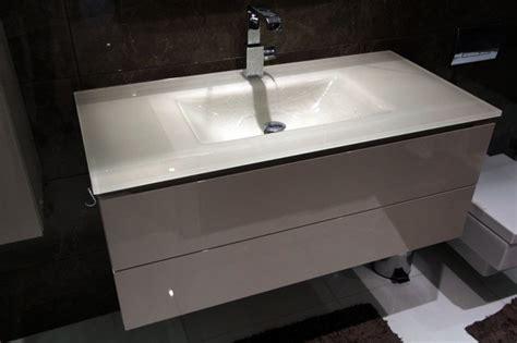 fitted bathroom furniture  london bespoke bathroom