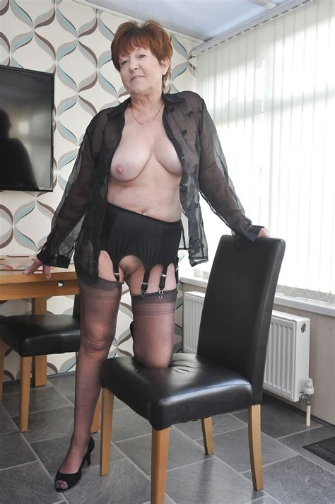 hot sexy granny in dinnig room