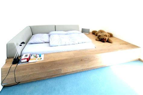 Bett Auf Podest Podest Bett Kopfteil Holz Selber Bauen