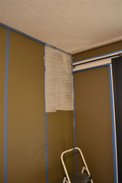 hand  faux grasscloth painted walls