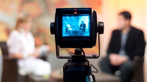 How to Speak during a Live Interview   Public Speaking ...