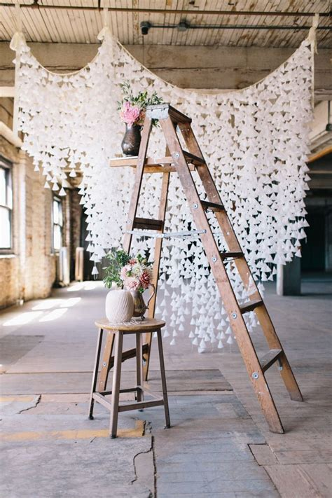chic ways   ladder  rustic country weddings