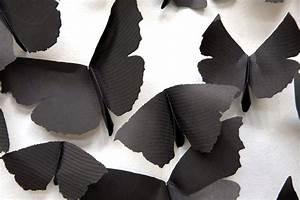 Black cloud carlos amorales adorns gallery walls with for Black cloud carlos amorales adorns gallery walls with thousands of black paper moths