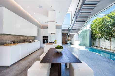 cuisine d architecte cuisine moderne blanche sans poignee maison d 39 architecte
