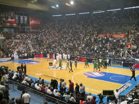 vivre un match de basket dans le pionir arena 224 belgrade de didier straus