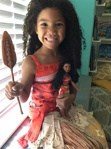 Life Size Moana Boat Diy by Best Moana Gift Ideas Ideas For Your Moana Fan Young And