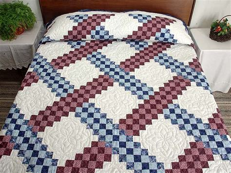 Triple Irish Chain Quilt    splendid ably made Amish Quilts from Lancaster (hs2709)