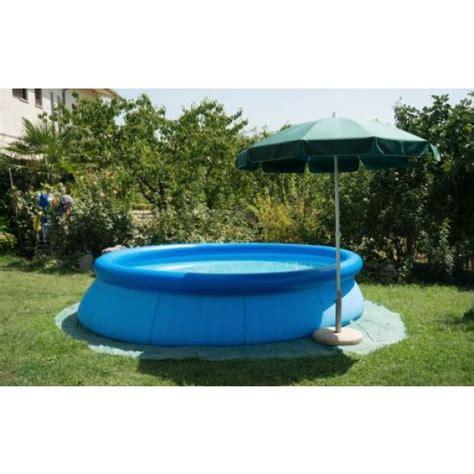 comment entretenir une piscine gonflable acheter une piscine gonflable pas cher 169 thinkstock images frompo