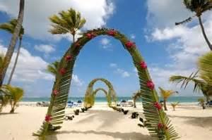 point mariage plan de cagne hawaiian wedding decorations hawaiian wedding theme