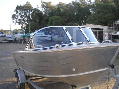 Ski Boat Windscreens by Boat Windscreens