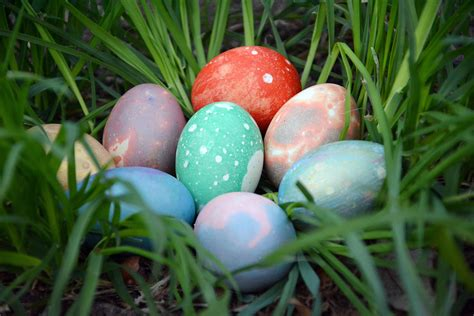 easter egg how to make marbled easter eggs