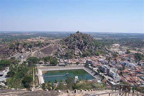 worshipping lord bahubali  jain pilgrimage site