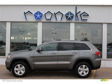 jeep grand cherokee gray 2011 mineral gray metallic jeep grand cherokee laredo x