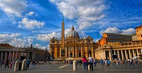 il y a un an au vatican kerviel et le pape françois les visiter le vatican