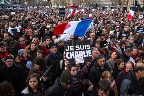 striking    massive unity march  paris