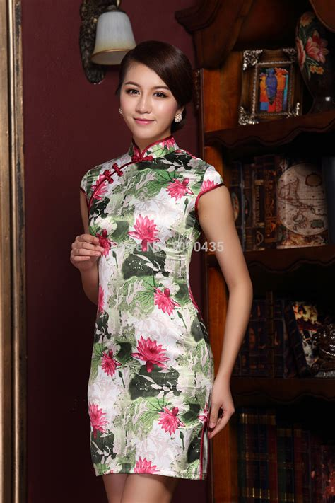 China Traditional Dress Women With Innovative Style