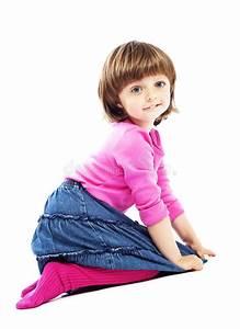 Mädchen Spielzeug 3 Jahre : sitzendes kleines m dchen 3 jahre alt stockbild bild von ~ A.2002-acura-tl-radio.info Haus und Dekorationen