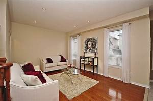 Rent wow furniture for home staging in toronto homestars for Furniture rental home staging toronto