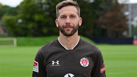 Der sc freiburg wurde als meister der 2. 2. Bundesliga: Burgstaller-Debüt bei Pauli-Niederlage - Fussball - International - Deutschland
