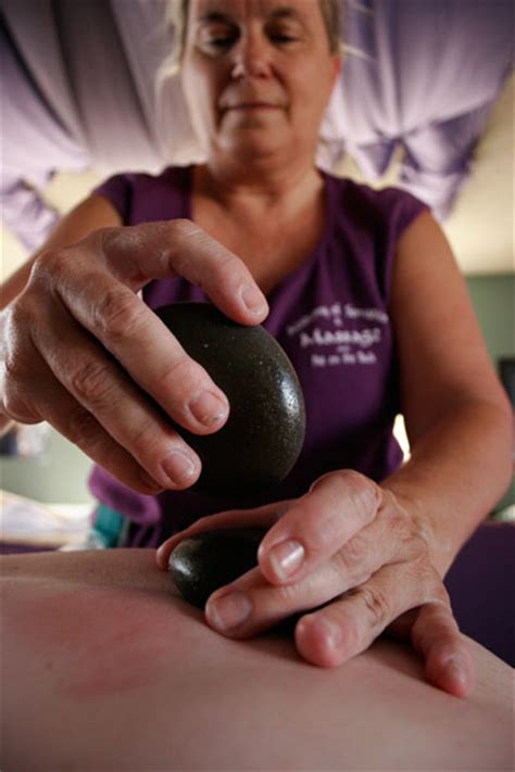 korean hot stone therapy קובץ hot stone massage jpg ויקיפדיה