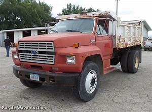 1988 Ford F700 Dump Truck In Cedar Falls  Ia