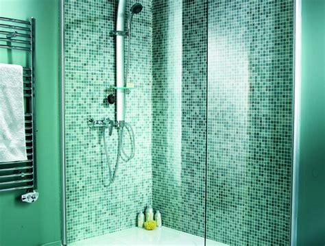 papier peint salle de bain harmonie avec mosaique carrelage mural carrelage salle de bain