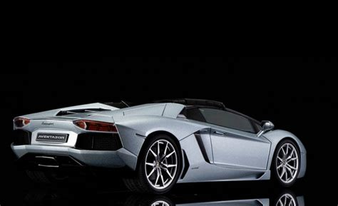 review autoart lamborghini aventador lp700 4 roadster diecastsociety com review autoart lamborghini aventador lp700 4 roadster diecastsociety com