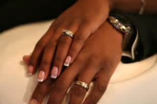how many rings are there in a marriage by c moynihan