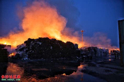 天津港火海12小时救援录 火势凶猛方圆三公里可见_社会_长沙社区通